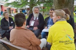 Rencontre-nationale-Mission-ouvriere-week-dernier-Lourdes-autour-theme-Elargis-espace-tente_0_730_399